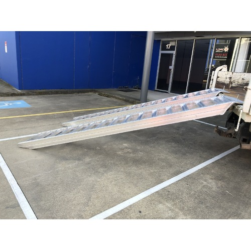 6 Tonne 3.5 metre x 500mm Aluminium Loading Ramps - Rubber / Wheeled Machines